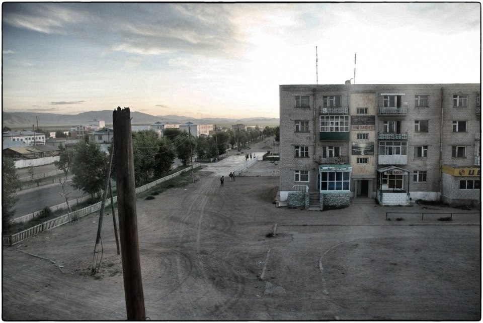 View with a Room :: The Dul Hotel, Murun, Mongolia, 2007 :: photo Richard Hanson for MAF