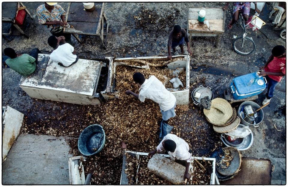 Ice ice baby... ::  Haiti 1996 :: photo Richard Hanson copyright Tearfund