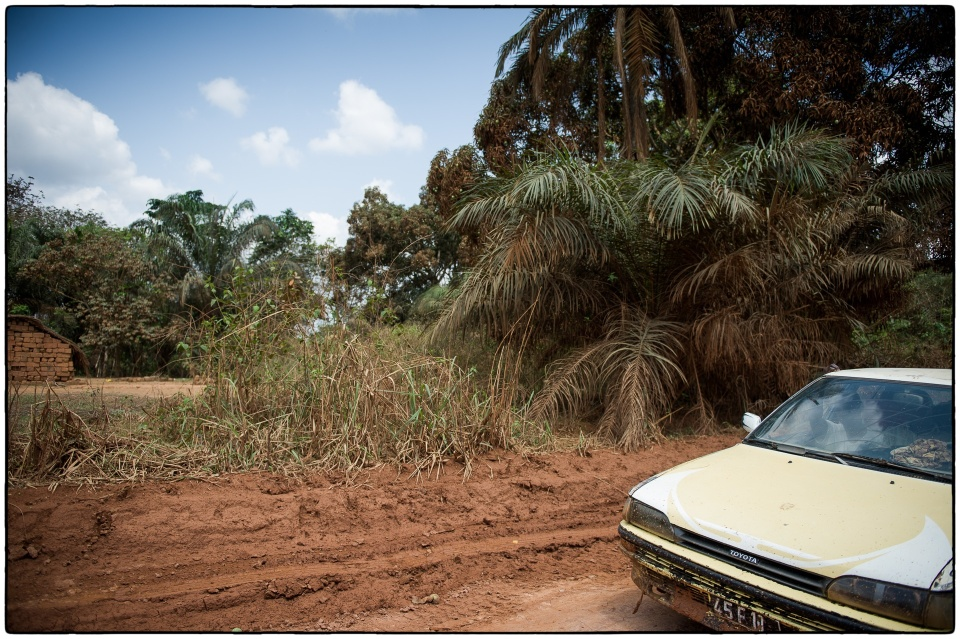 Going home, back to Loutete, Congo, October 2012 :: copyright Richard Hanson for Bible Society