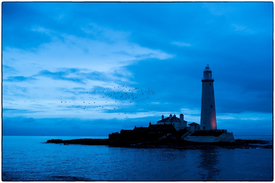 This is a blue light :: copyright Richard Hanson