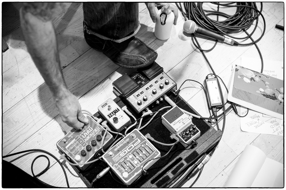 Mr G is wired for sound :: Lowry, Jan 2012 :: photo Richard Hanson/154 Collective