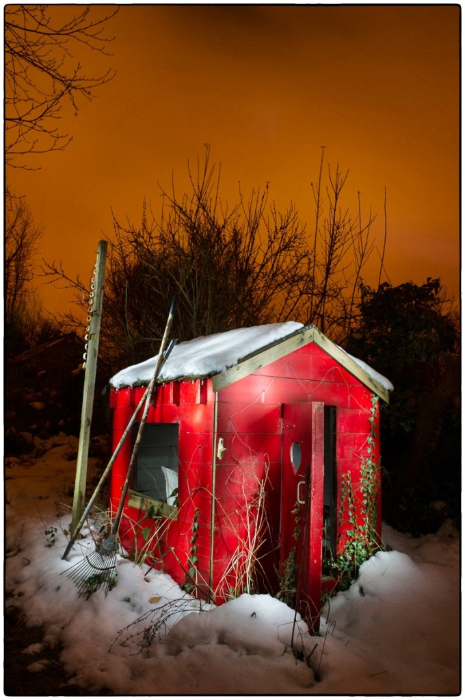 Rather a nice little shed... :: photo copyright: Richard Hanson