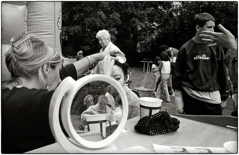 Christ Church Garden Party, 2000 :: photo copyright Richard Hanson